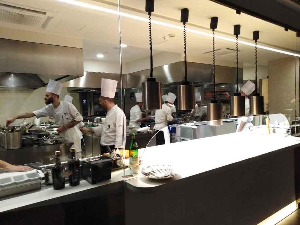 IT-milano-gennaro-esposito-cucina